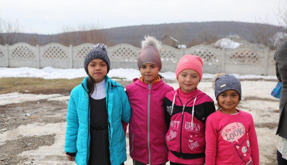 Romanian school children
